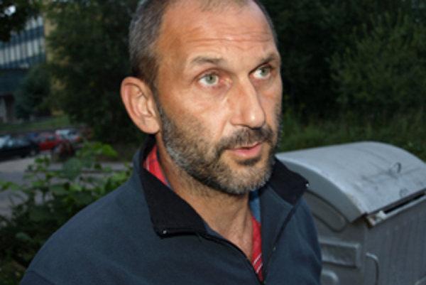 Ivan Sopoliga upozorňuje pozostalých, aby nezabúdali na pitný režim.