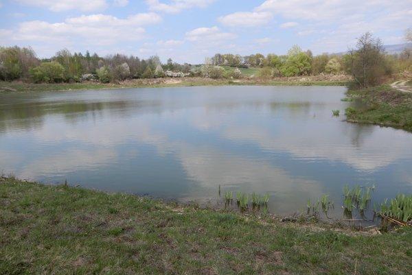 Pri obci Orechová v Sobranskom okrese sa nachádza umelá záchytná vodná nádrž.