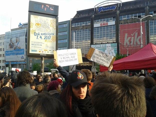 Protest v uliciach Bratislavy proti korupcii.
