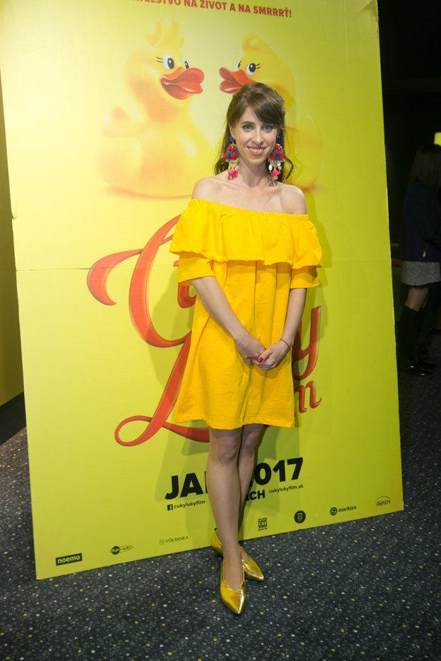 Zuzana Porubjaková. Sympatická herečka tiež hrá vo filme a na premiére vďaka svojim šatám naozaj žiarila.
