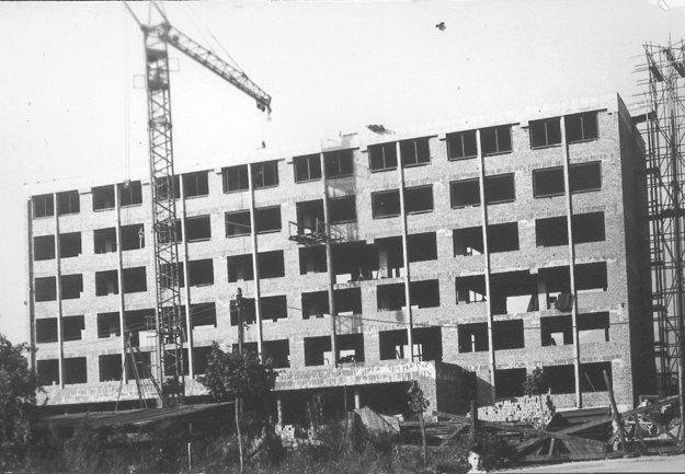 Rok 1966 - práve sa stavia hotel Turiec v Martine.