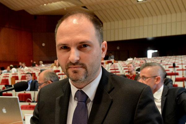 Poslanec. Jaroslav Polaček (nezávislý) chce byť vdozornej rade Kositu.