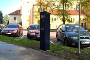 Za parkovanie v centre mesta sa platí.