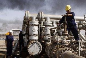 Iránske vedenie viní z prepadu cien ropy Saudskú Arábiu.