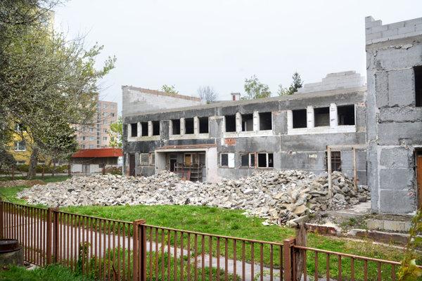 Aktuálny stav. Za dva mesiace má byť stavba dokončená.