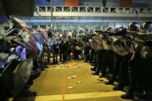 Nedeľné protesty v Hongkongu.