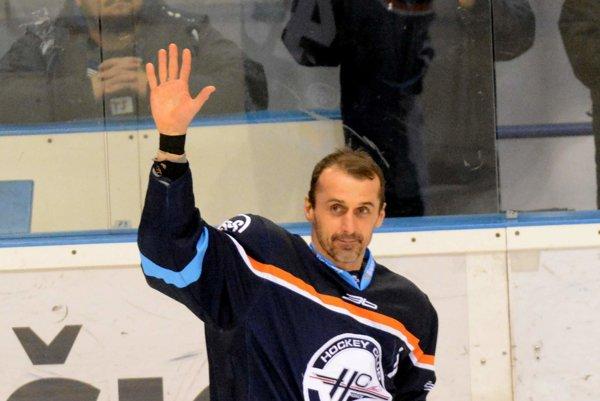 Zamával hraniu na rozlúčku? Peter Bartoš to zatiaľ komentovať nechcel.