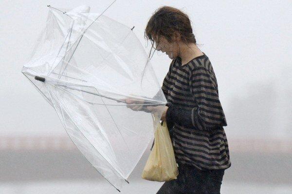 Vietor môže byť miestami naozaj silný.