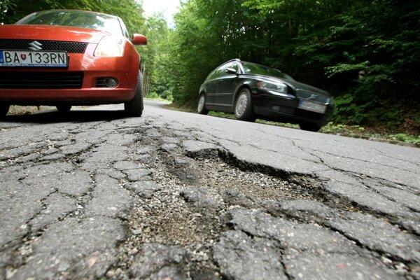 V zlom stave je aj cesta na Španiu Dolinu.