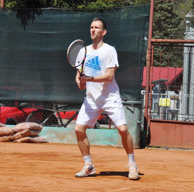 Peter Pištek hral v dohrávke s Púchovom výborný tenis.