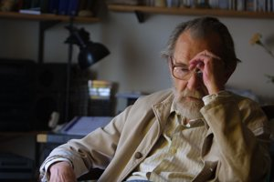 Egon Bondy (1930-2007) - český básnik, ktorého texty zhudobnili Plastic People of the Universe.