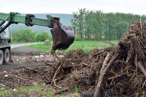 Situácia na rieke Roňava vo štvrtok predpoludním.