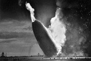 Iba tridsaťštyri sekúnd stačilo na to, aby z lietajúcej inžinierskej pýchy nemeckej ríše ostal len šrot a popol. Obrovskú luxusnú vzducholoď Hindenburg v okamihu zhltol ničivý oheň 6. mája 1937 počas pristávania v americkom Lakehurste.