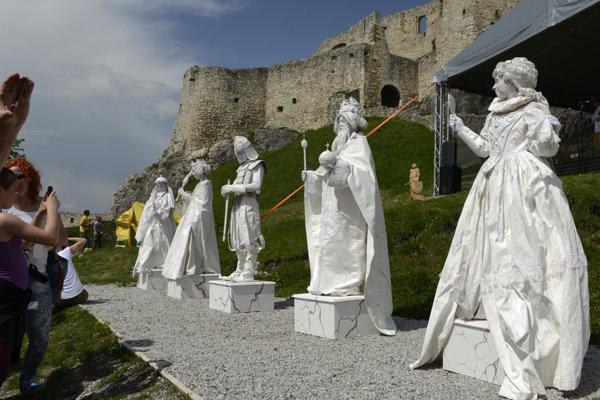 Živé sochy, ktoré vytvorili pracovníčky SNM - Spišského múzea v Levoči.
