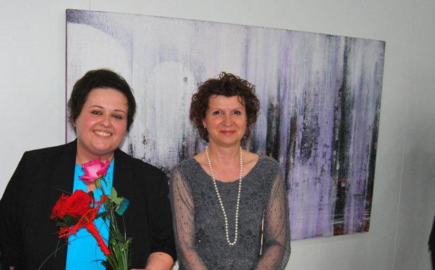 S kurátorkou výstavy Elou Porubänovou.