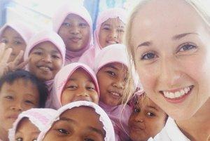 Takmer dva mesiace učila Natália Pavlovičová indonézske deti angličtinu.