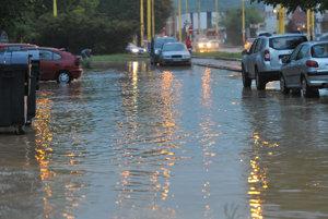 Zaplavená Prostejovská ulica v Prešove.