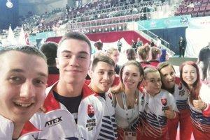 Čadčan Kristián Michalec (vľavo) si hodil takéto selfie so svojimi reprezentačnými kolegami.