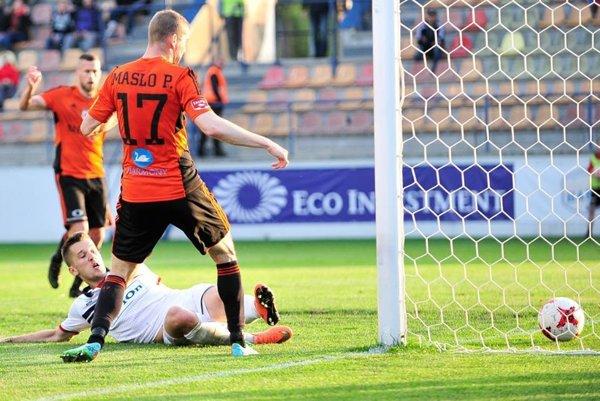 Peter Maslo a jeho gól na 2:0. (Foto: Rudolf Maškurica)