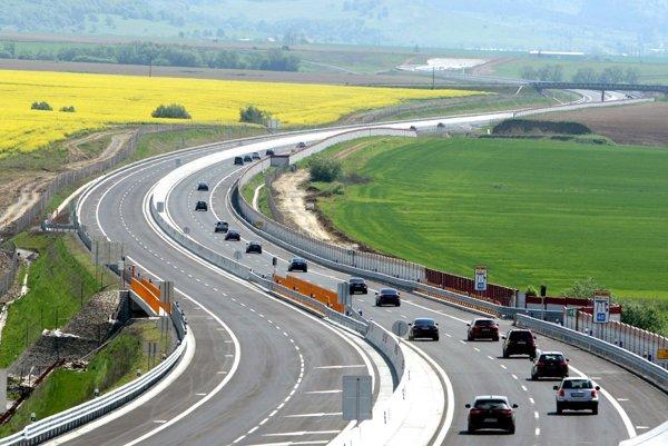Dnes začali vodiči jazdiť po rýchlostnej ceste R2 Zvolen východ - Pstruša.