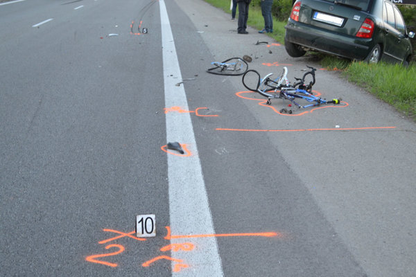 Nehoda, pri ktorej zomrel cyklista.