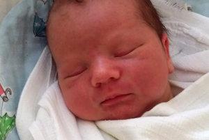 LUKÁŠ PODSTRELENÝ sa narodil ako tretie dieťatko rodičom Jane a Lukášovi z Vasiľova. Na svet prišiel 2. mája, vážil 4150 g a meral 52 cm. Doma ho čaká Miriam a Karin.