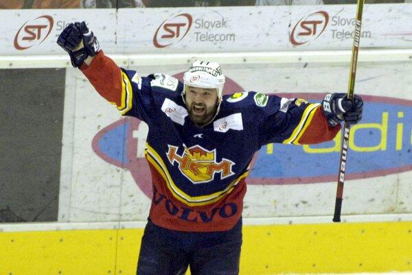 Vlasto Plavucha pred 12 rokmi sa takto radoval z gólov v drese HKM. (ilustračné)