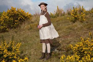 Jedným z najväčších kladov seriálu je mladučká herečka Amybeth McNulty.