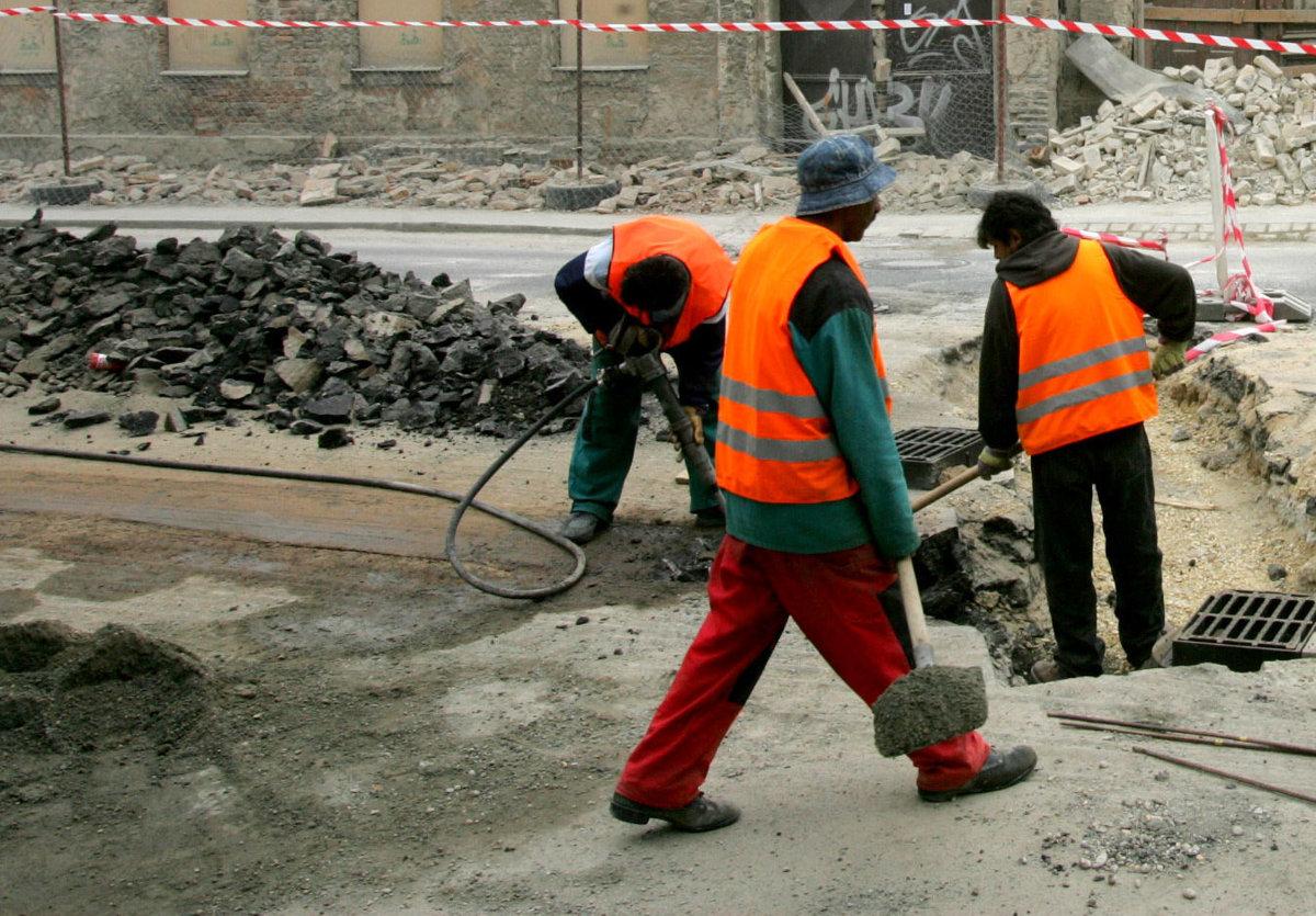 Na opravy komunikácií v Prievidzi pôjde o pol milióna eur viac ... cba6197facb