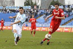 Ivan Djokovič (vpravo) je jedným z hráčov, z ktorými majú Košice problémy.
