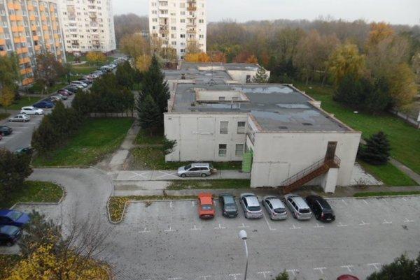 Objekt má rozlohu 5000 m2.