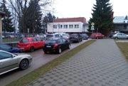 V nemocnici chýbajú parkovacie miesta.
