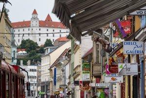 Obchodná ulica v Bratislave.
