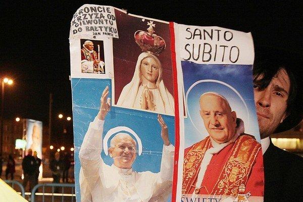 Do Vatikánu sa chystajú tisícky Poliakov.