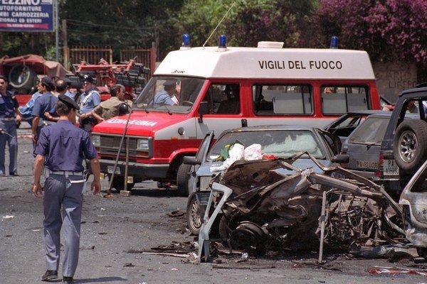 Talianska mafia je zároveň miernejšia, takýchto atentátov ako z roku 1992, je menej. Podľa údajov OSN zabije ročne o 80 percent menej ľudí ako pred 20 rokmi.
