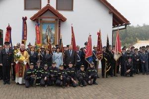Spoločná fotografia hasičov z Oščadnice s hosťami.