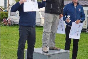 Tibor Nogaz SGC Martin (v strede) zvíťazil v klubovej triede.