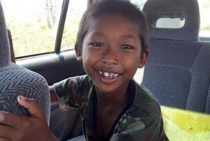 Školáci si adoptovali 9 - ročného chlapca –Chham Vicheka.