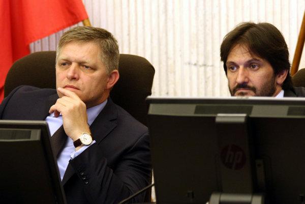 Predseda vlády Robert Fico a minister vnútra Robert Kaliňák.