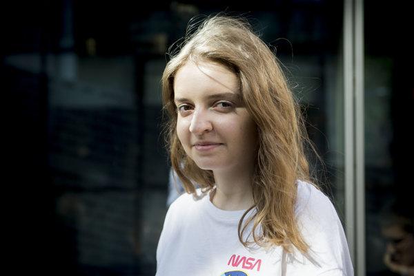 Michaela Weberová, redaktorka študentského časopisu Heyou.