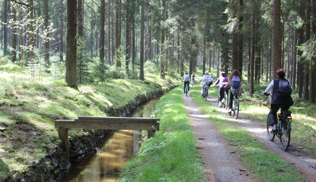 Cyklistika pri Schwarzenberskom kanáli