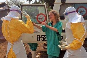 Epidémia horúčky ebola si v oblasti Západnej Afriky vyžiadala už desiatky životov.