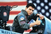 "Tom Cruise ako Pete ""Maverick"" Mitchell vo filme Top Gun."