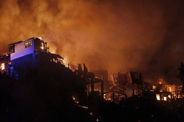 Požiar v čilskom prístavnom meste Valparaíso.