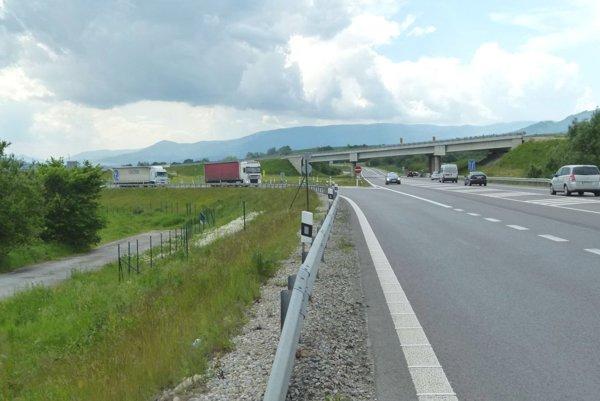 Diaľnica by za Turanmi mala odbočiť na Krpeľany apotom sa schovať do tunela.