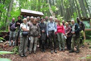 Odborníci v Dobročskom pralese.