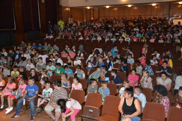 Čítania sa zúčastnili približne tri stovky detí.