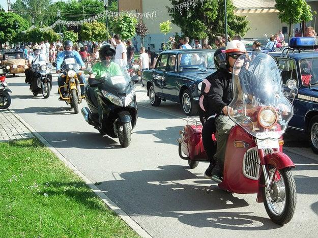 Prišlo aj veľa starých motoriek.