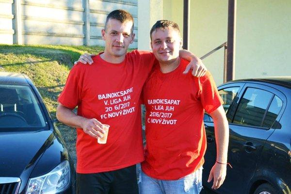 Sedemgólový Anton Barčák (vľavo) s prezidentom klubu v Novom Živote Tiborom Lelkesom.