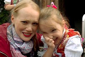 Sibylka s moderátorkou Dominikou v šou Zem spieva.